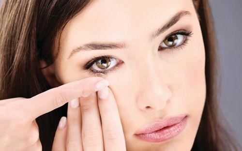 Perbaiki Penglihatan Rabun Dengan Lensa Kontak yang mengkhususkan